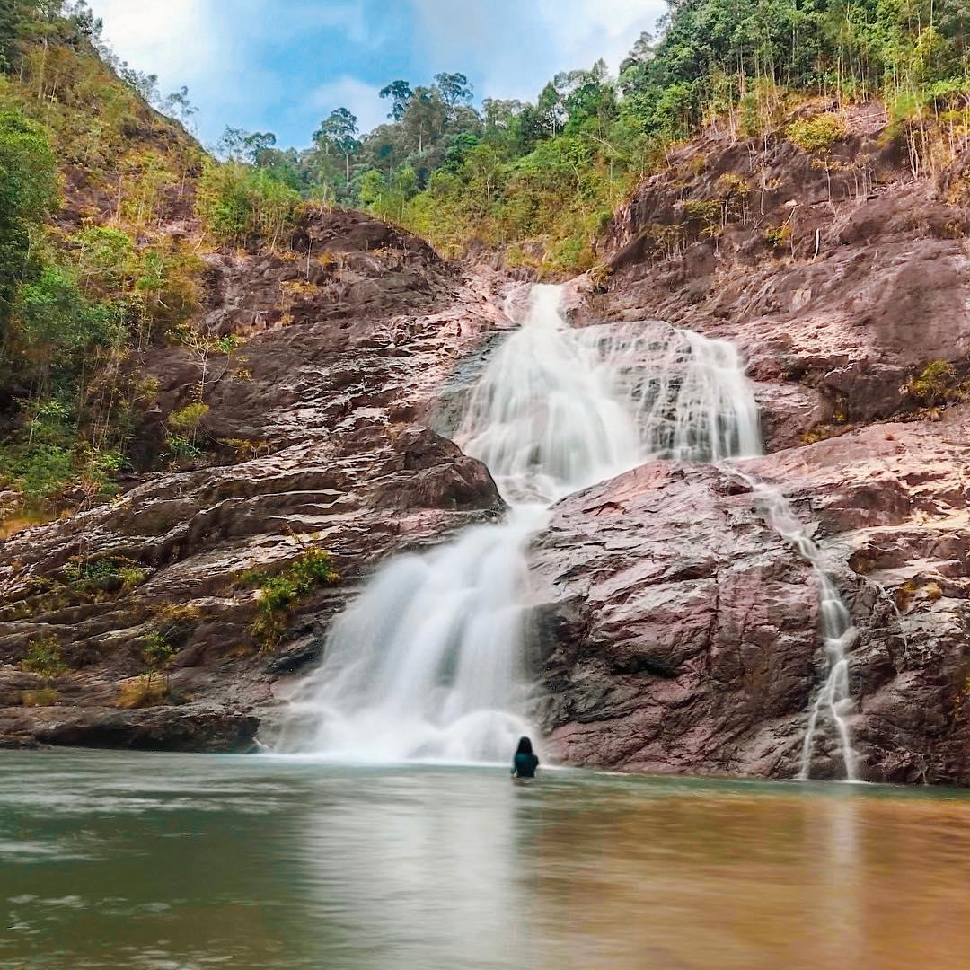 10 Lokasi Air Terjun Sekitar Malaysia Ada Sesuatu Buat Ramai Kelu Libur